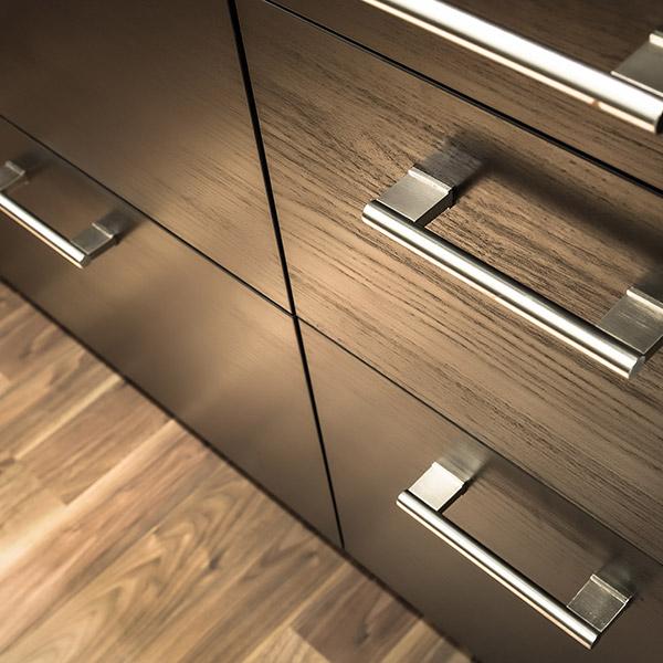 L'opacita' calda della finitura Oece acrilica trasparente 410-0034/05 luxury haptic