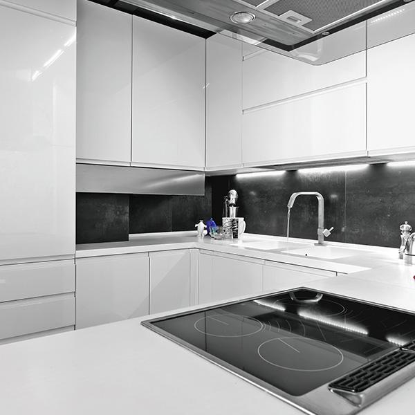 Finitura lucida bianca esente da aromatici OECE 218-9005/95