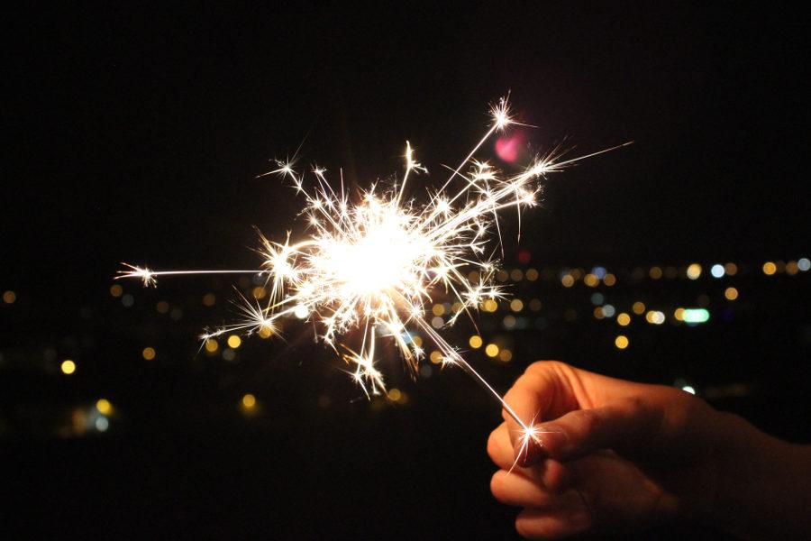 Festività serene e gioiose a tutti i nostri meravigliosi clienti, dipendenti e alle loro famiglie! Buone vacanze!
